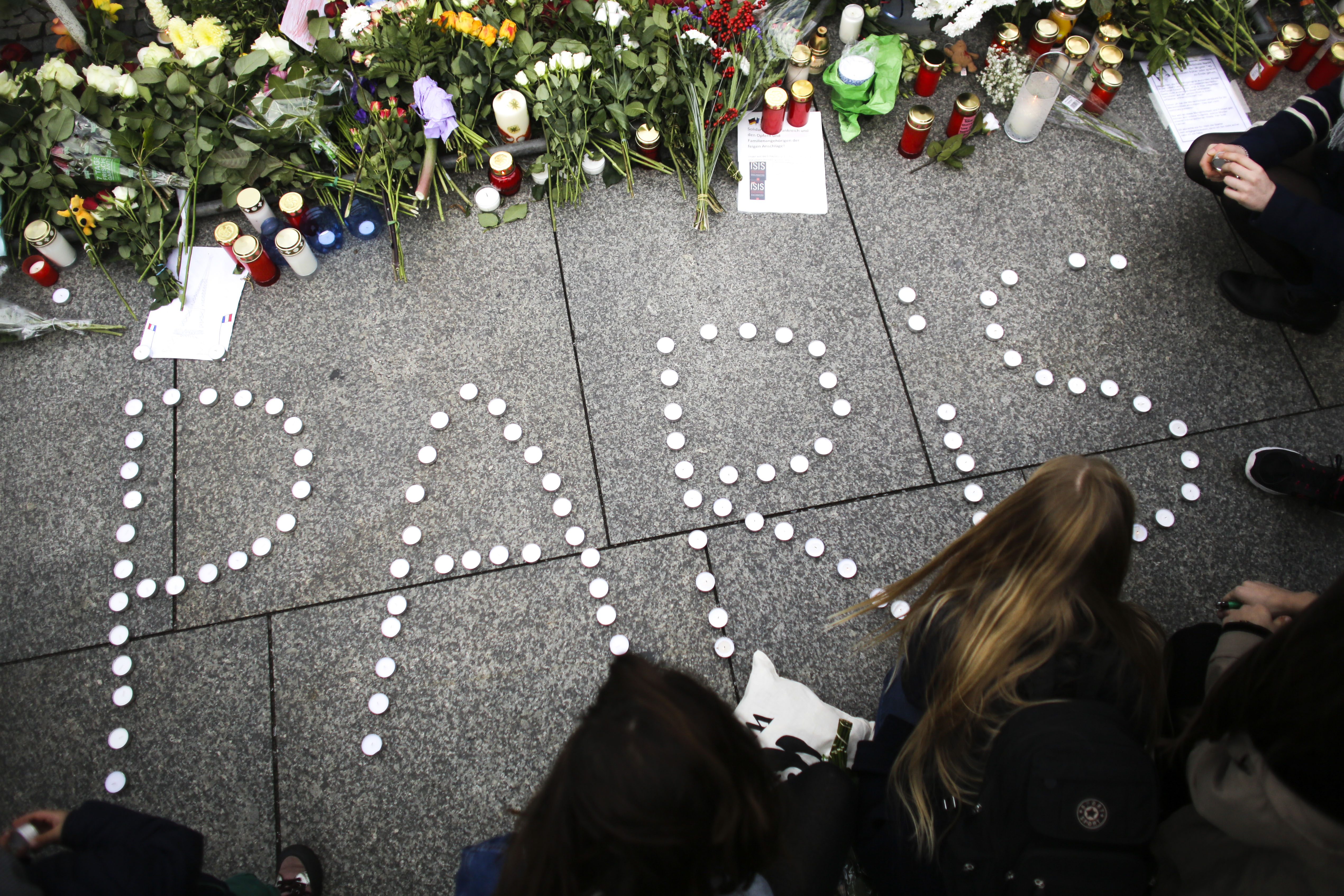 The 10 Best and Worst Responses to the Paris Attacks